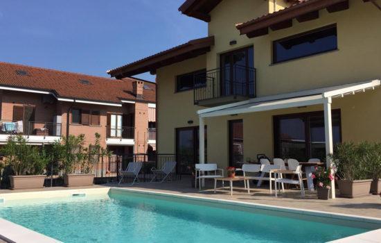 Vebo2 Villetta gialla ristrutturata con piscina ad Alpignano 2