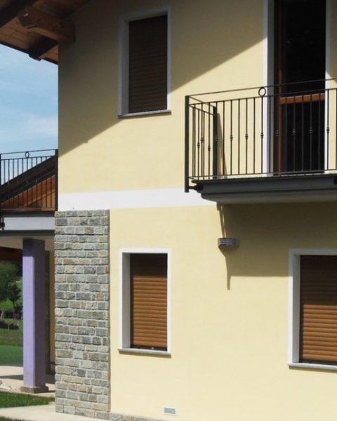 Vebo2 nuova villetta gialla a Rivoli (TO)
